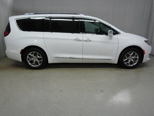 Chrysler Pacifica Van >> Pre Owned 2018 Chrysler Pacifica Limited Front Wheel Drive Minivan Van